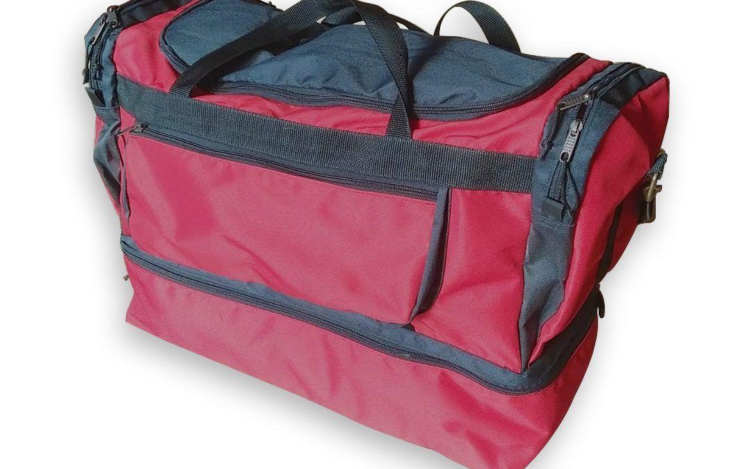 Bolso de viaje porta ropa y Botas de vadeo